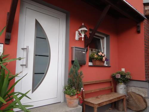 Ein Patio oder anderer Außenbereich in der Unterkunft Ferienwohnung Skiloipe
