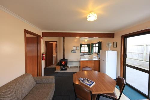 A seating area at Arthur River Holiday Units