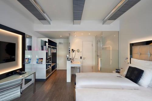A room at INNSiDE by Meliá Düsseldorf Hafen