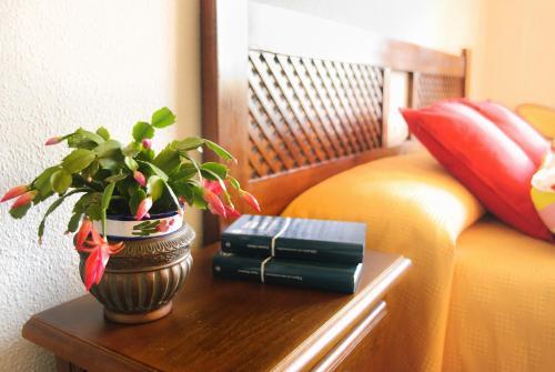 A seating area at Hotel Galaroza Sierra