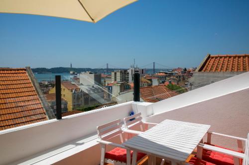 A balcony or terrace at 54 Santa Catarina Apartments