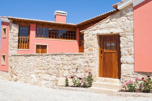 The facade or entrance of Casal Frias