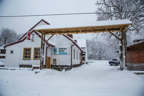 Hostel Baske Ostarije during the winter