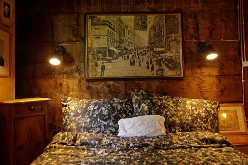 A bed or beds in a room at Lieu Secret dans les Alpes Suisses