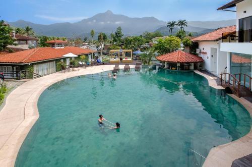 A piscina localizada em Angra Boutique Hotel ou nos arredores