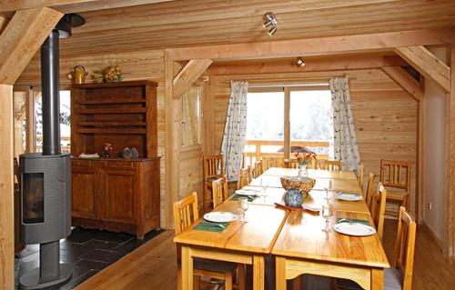 A restaurant or other place to eat at Odalys Chalet La Muzelle