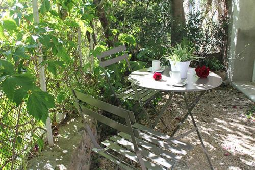A porch or other outdoor area at Une Pause a Signes