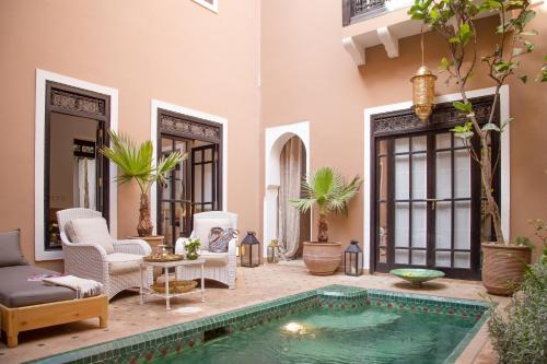 The swimming pool at or close to Riad Olema et Spa