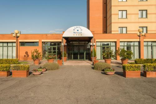 The facade or entrance of Meditur Hotel Pomezia