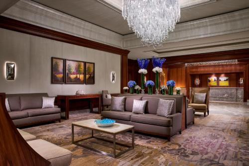A seating area at The Ritz-Carlton, Tysons Corner