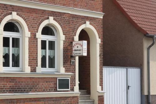Eine Fassade oder ein Eingang zu Pension Dürkop