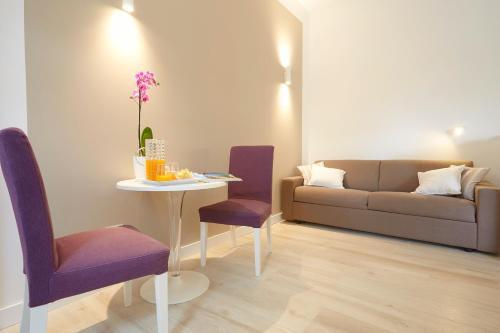 A seating area at B&B Mondello Design
