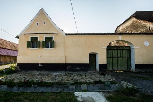 Fațada sau intrarea în Cloasterf Haus