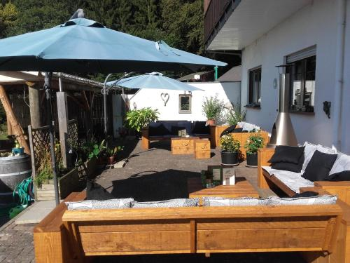 A porch or other outdoor area at Pension Froschloch