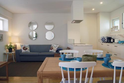 The lounge or bar area at Spot Apartments Ceuta
