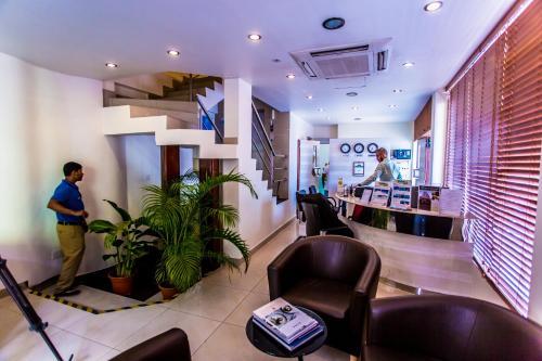 ホテル オクターヴ モルディブのロビーまたはフロント