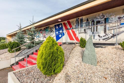 Ein Patio oder anderer Außenbereich in der Unterkunft Motel Steighof