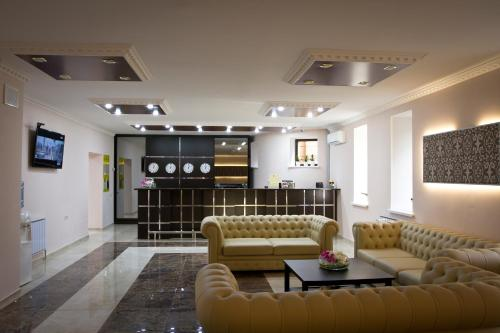 The lounge or bar area at Hotel Marton Gordeevsky