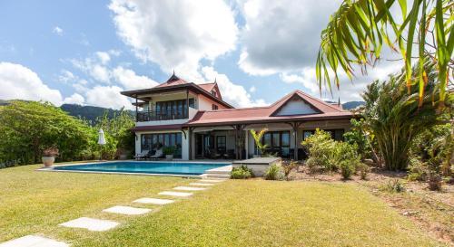 A garden outside Tres Belle Villa Seychelles