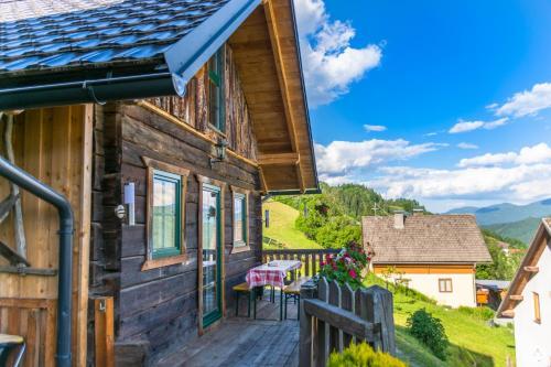 Ein Balkon oder eine Terrasse in der Unterkunft Ferienhaus Ottlgut