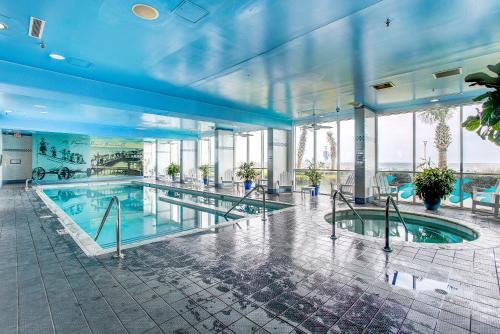 The swimming pool at or near Boardwalk Resort by Diamond Resorts