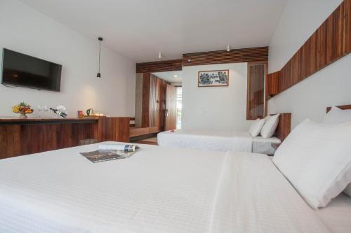 A room at Somadevi Residence