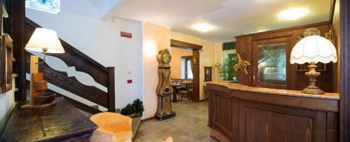 Salone o bar di Hotel Residence Chateau