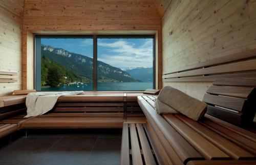 Ein Balkon oder eine Terrasse in der Unterkunft Parkhotel Gunten – Beach & Spa