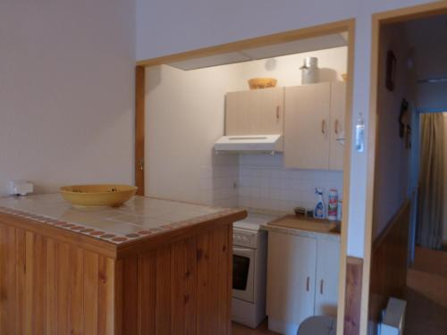 A kitchen or kitchenette at Cayolle 23