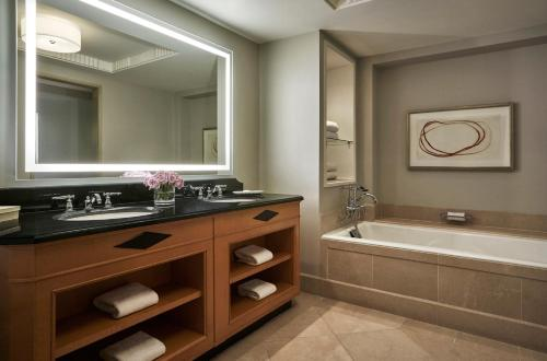 A kitchen or kitchenette at Four Seasons Washington DC