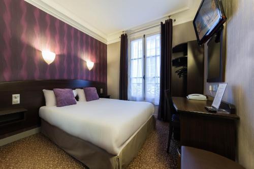 A room at Hotel Victor Massé
