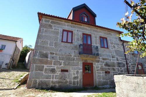 The facade or entrance of Casas de Porto Bom