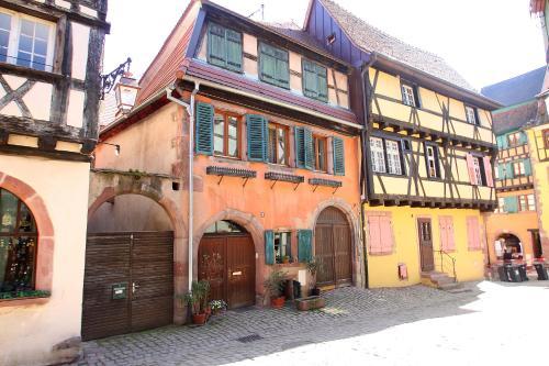 The facade or entrance of Riquewihr
