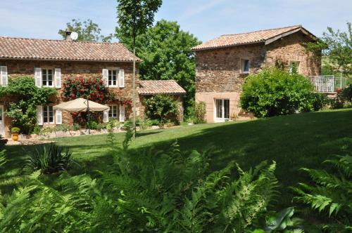 A garden outside Chambre d'hôtes Puech Noly