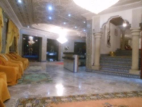 Лобби или стойка регистрации в Hotel Babel