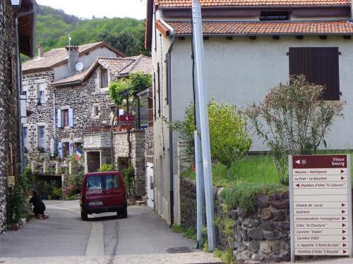 The facade or entrance of Le Cabanon