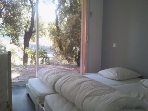 A seating area at Appartement de charme terrasse solarium au calme