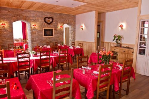 Restaurant ou autre lieu de restauration dans l'établissement L'Hermitage