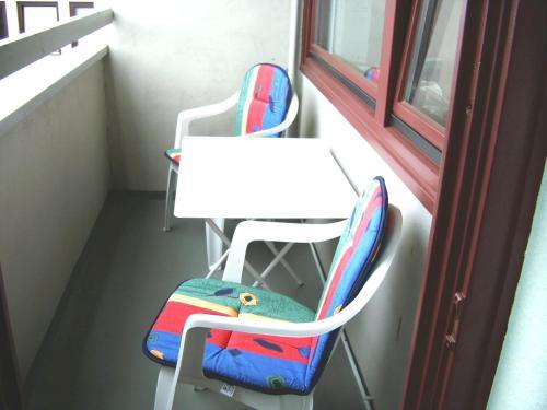 A bunk bed or bunk beds in a room at FeWo Bonn Sejour - Nähe UN-Campus u. WCCB
