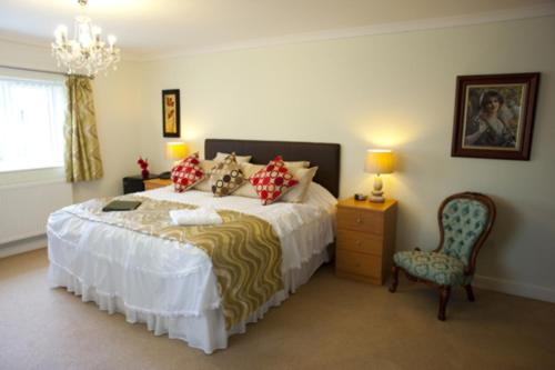 A bed or beds in a room at The Limes