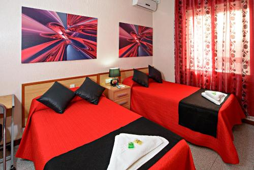 Una habitación en Hostal Carrizo