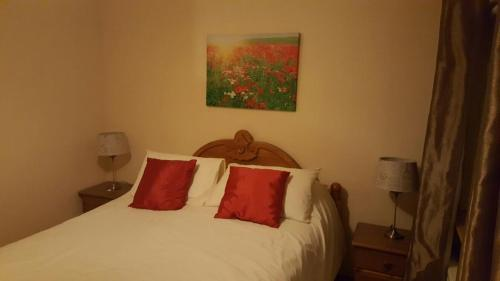A bed or beds in a room at 3 Bedroom House Mitchelstown