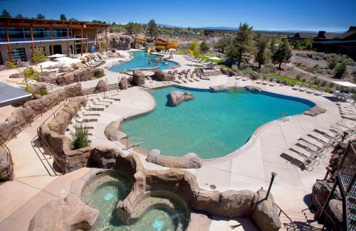 A view of the pool at Brasada Ranch or nearby