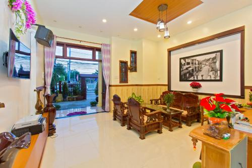 The lobby or reception area at Qua Cam Tim Homestay