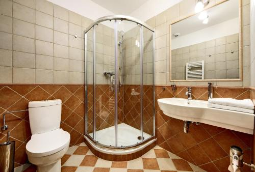 A bathroom at Pension Rozmarýna