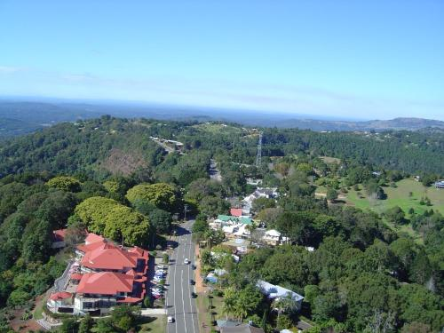 A bird's-eye view of Mayfield on Montville