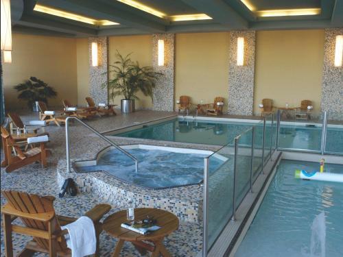 The swimming pool at or near Brookstreet Hotel - Ottawa West - Kanata