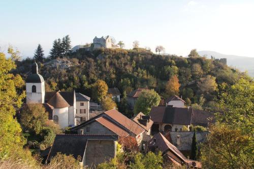 Vue panoramique sur l'établissement Le Manoir