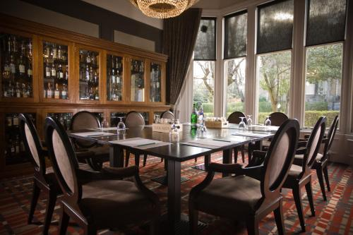 A restaurant or other place to eat at One Devonshire Gardens a Hotel Du Vin