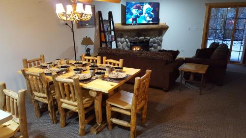 A restaurant or other place to eat at 2BR Rustic Villa